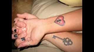Coincidencia De Las Ideas Del Tatuaje Para Las Parejas