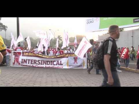 Intersindical e centrais são recebidas à bomba na Usiminas