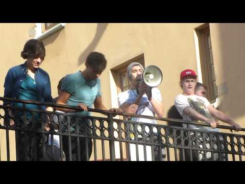 One Direction in Sweden HD Zayn Malik says Vas happening
