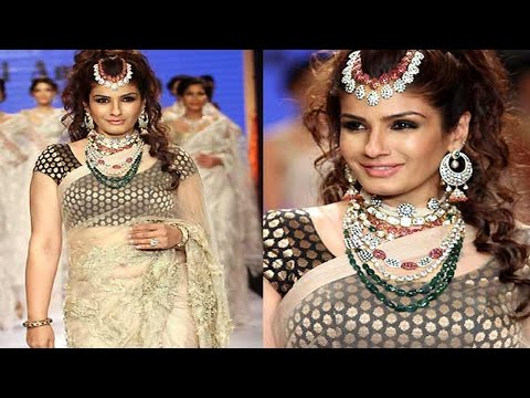 Raveena Tandon Sexy  Belly Tease in Transparent Saree!