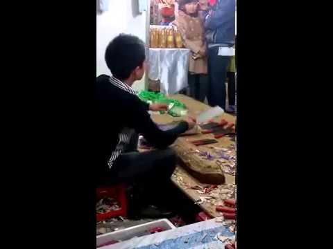 Hội chợ, bán hàng hội chợ, thanh niên bán hàng hội chợ bá đạo...