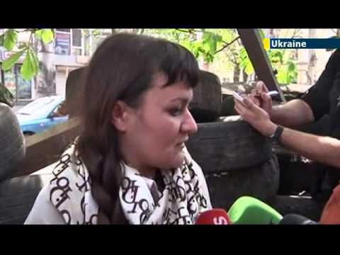 Pro-Russian separatists show kidnapped female journalist