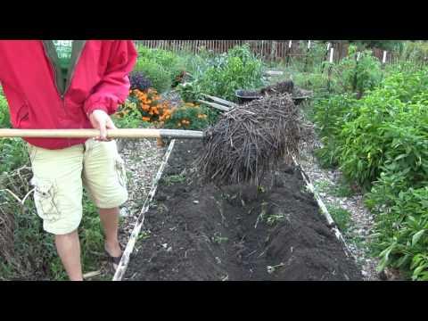 How to Set Up Core Garden Bed - Core Gardening Method