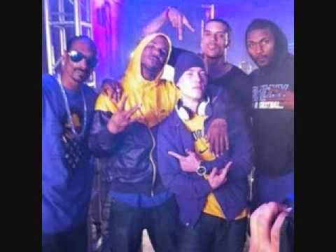 GAME FT SNOOP DOG &amp; WIZ KHALIFA &quot;PURPLE &amp; YELLOW&quot;
