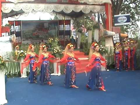 Tari Tradisional - YouTube