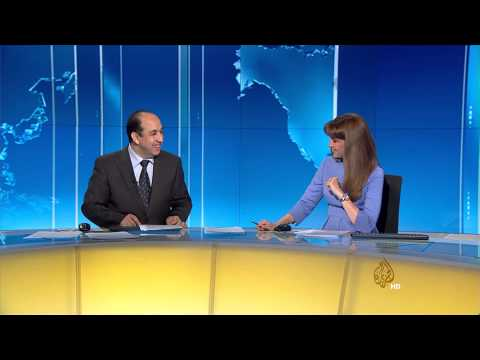 لقطة طريفة بين مذيعي الجزيرة وسيلة عولمي وعبدالصمد ناصر