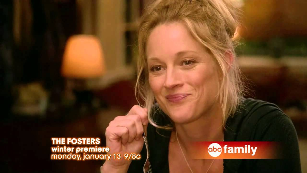 15> Images For - David Lambert And Maia Mitchell Kiss Gif