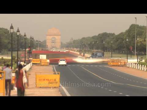 Time lapse of traffic around India gate