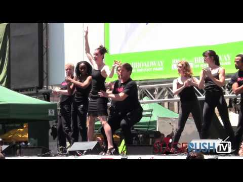 "Chicago cast sings ""We Both Reached For The Gun"" at Broadway in Bryant Park"