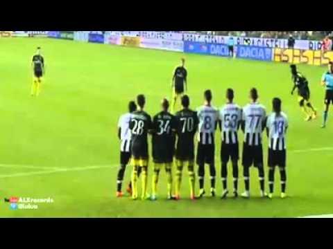 Balotelli lập siêu phẩm trong lần đầu tiên đá chính cho Milan