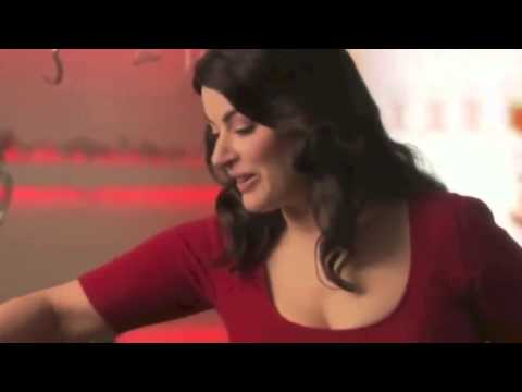 Nigella Lawson caught red-handed with drugs while preparing for a BIG Saturday night on the town!