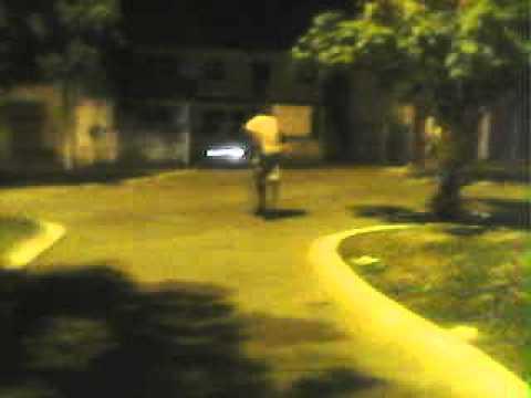 Felipe andando de skate