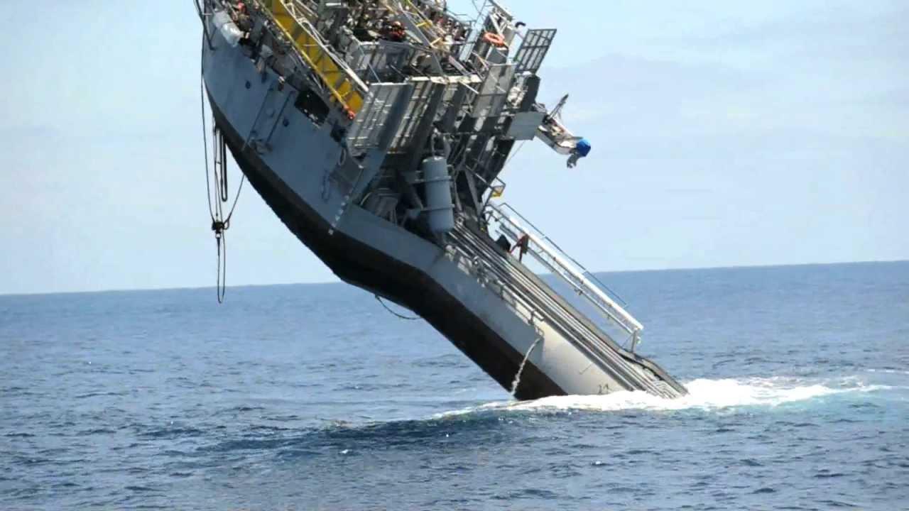 Nave Affonda Nell Oceano Esperimento Della Marina