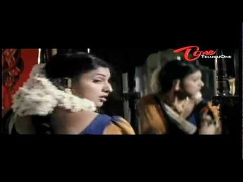 Sivaji Raja Runs On Road Without Wearing Dress