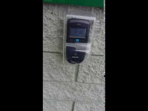 VP30 controllo accessi porta esterna azienda