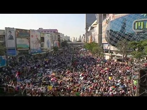 Thai anti-government protesters try to shut down Bangkok