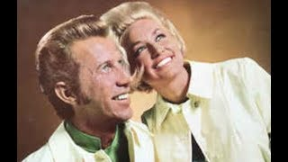 Porter Wagoner & Dolly Parton Somewhere Between