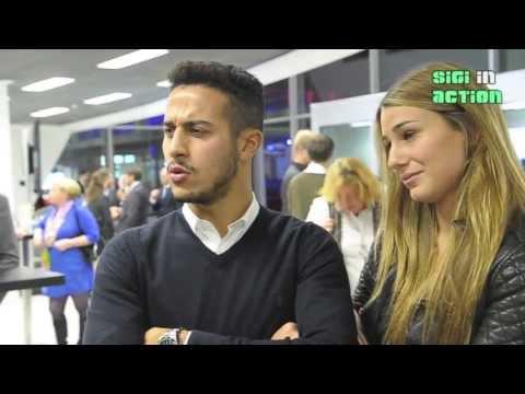 FC Bayerns Thiago Alcántara mit Freundin Julia Vigas @ AUDI Gebrauchtwagen :plus Zentrum Munich