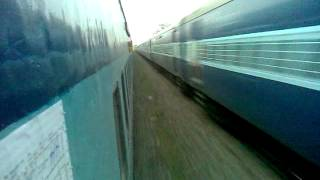 High Speed Crossing !!!! 12142 Rajendranagar SF Express Crossing 12322 Mumbai-Howrah Mail !!!!! view on youtube.com tube online.