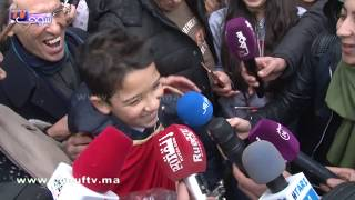 بالفيديو..شوفو الموال اللي غنى حمزة الأبيض بعد وصولو إلى مطار سلا |