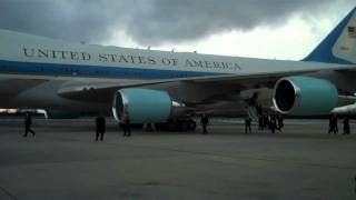 PRESIDENT OBAMA ARRIVING AT NYC JFK AIRPORT