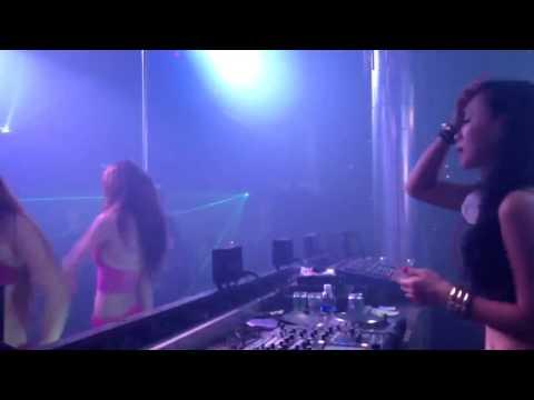 DJ Tit Xinh đánh nhạc tại MDM Club