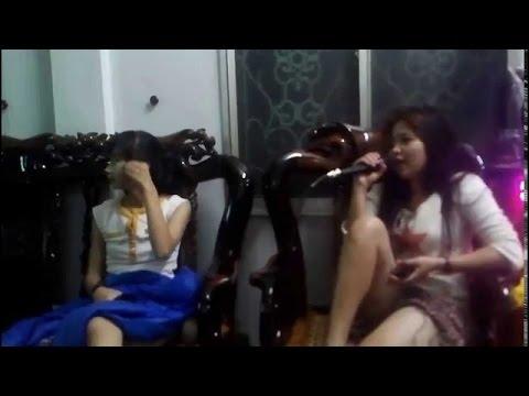 [Clip Hot] Hát Karaoke Bị Tung Váy Lộ Bím Cực Ngon - Gái Xinh Lộ Hàng