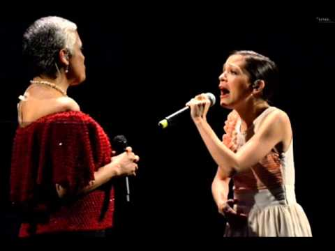 Thumbnail of video Burbujas de amor Eugenia Leòn Feat Natalia Lafourcade