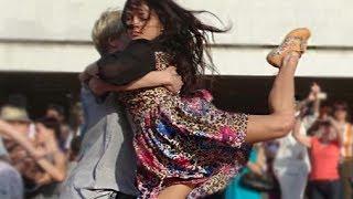 Моя Планета устроила танго-флешмоб с оркестром в центре Москвы. Это надо ВИДЕТЬ!