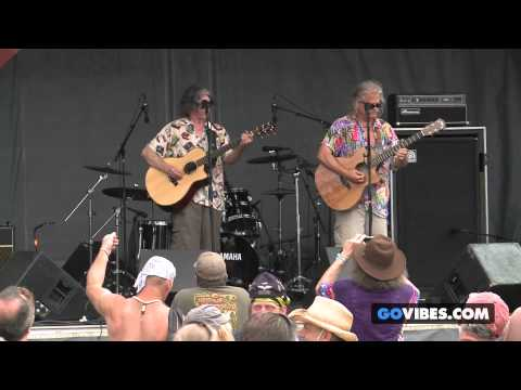 "The Kind Buds perform ""How Lucky"" at Gathering of the Vibes Music Festival 2013"