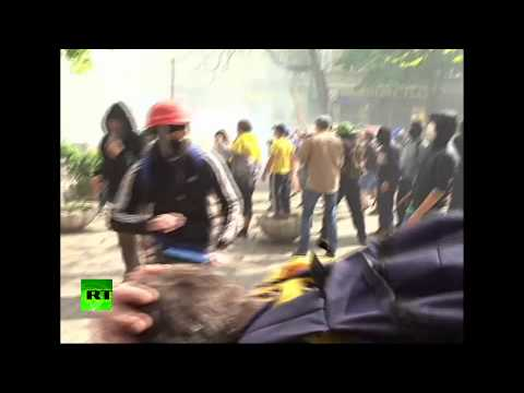 Video: Fierce street battles in Odessa, Ukraine as pro- & anti-Kiev demos clash