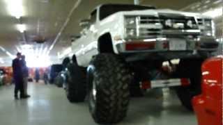 BAD ASS CHEVY SILVERADO 4X4 MONSTER 49 INCH SUPER SWAMPERS