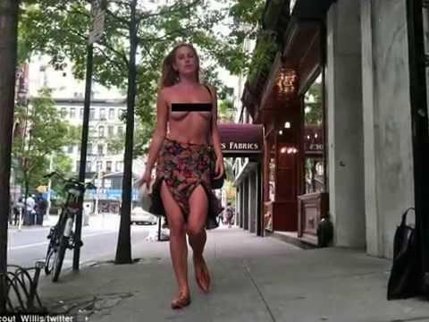 Scout Willis goes topless. Дочь Брюса Уиллиса прошлась по Нью-Йорку топлесс.