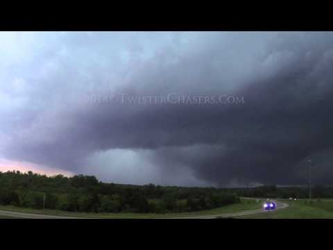Violent EF-3 Tornado Slams into Tupelo, MS