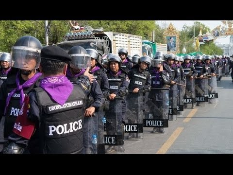 Thai police clear some protest sites in Bangkok - BBC News