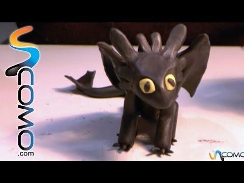 Cómo hacer el dragón Furia Nocturna con plastilina