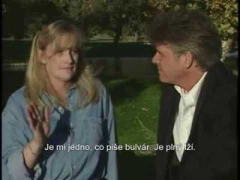 Rozhovor s Debbie Rowe (české titulky)