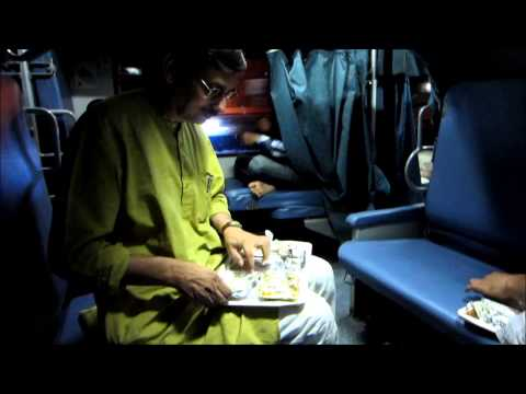Full Journey on India's Fastest Train: Sealdah New Delhi Duronto Part I: Delhi-Kanpur