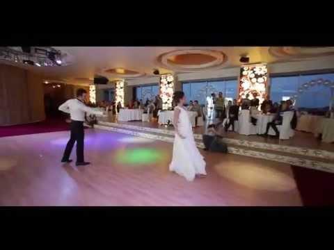 Красивый свадебный танец !