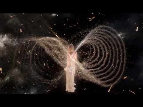 360° Film: Kate Moss & Scent Of A Dream   Charlotte Tilbury