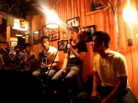 Cô gái đến từ hôm qua - Acoustic cover in Music Night (Fuk Bar)