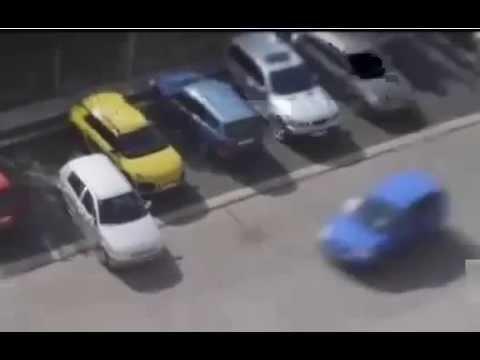 فيديو مضحك: شقراء حاولت ركن سيارتها أكثر من 6 مرات