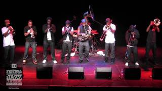 Hypnotic Brass Ensemble (1/2) - Entrevue 2009 (anglais)
