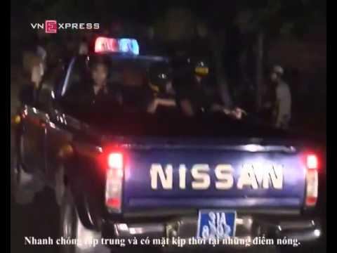 Hình ảnh trong video canh sat co dong duoi bat quai xe HG