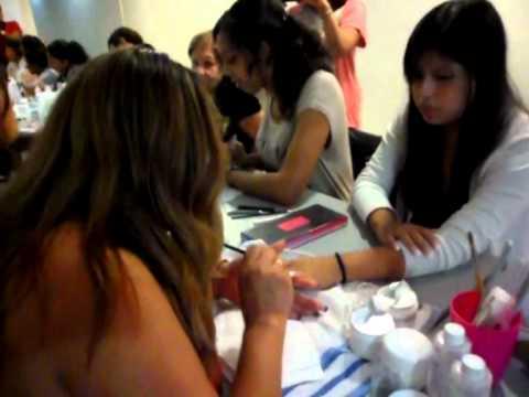 Asoc. P. Nuevo Perú Clausura del I Nivel del Curso Uñas Acrílicas.wmv