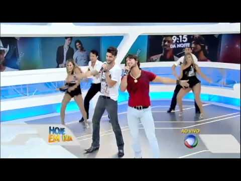 Munhoz e Mariano cantam seu sucesso Copo na Mão