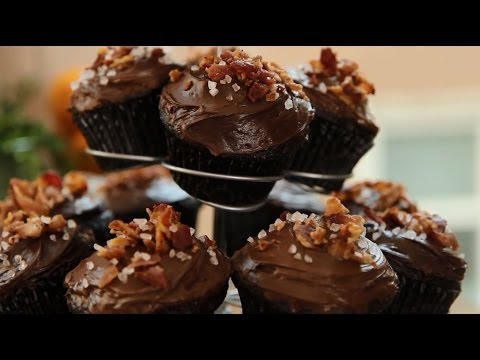 Cupcake Recipes - How to Make Chocolate Bacon Cupcakes