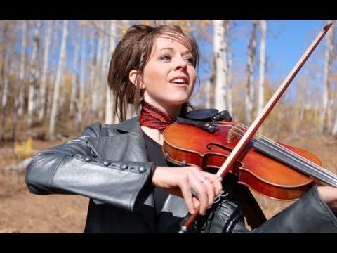 Смотреть клип Lindsey Stirling & William Joseph - Halo Theme