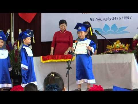 Minh Khang phát biểu tại Bế giảng Khóa học 2011-2014
