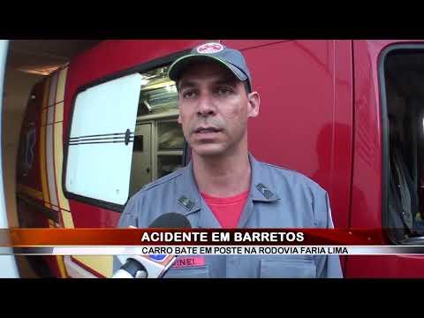 09/12/2018 - Dois ficam feridos em acidente na Rodovia Faria Lima em Barretos após chocar veículo contra poste